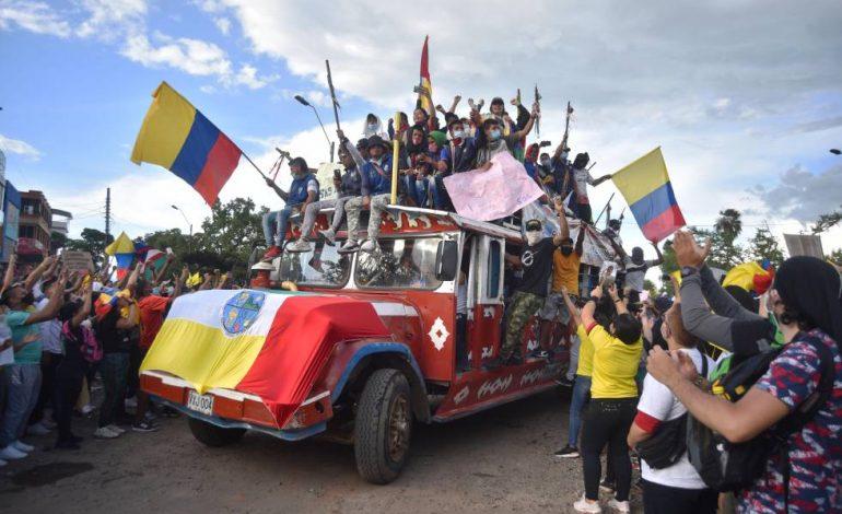 Las masas colombianas han tumbado el robo tributario: ¡A tumbar a Duque!